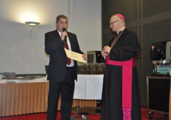 charitativní dar Ridera stavební Mons. Lobkovizovi